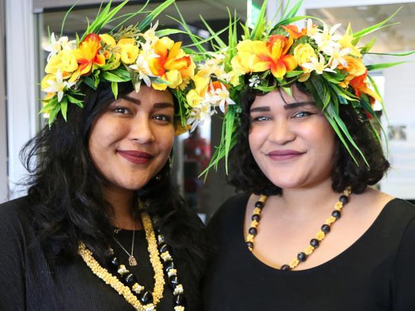 Niue girls