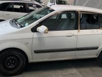 The 2004 Hyundai station wagon